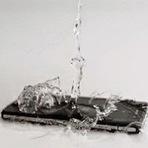 Super Dica: Saiba como salvar um celular molhado