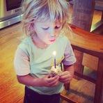 Fotos - Alanis Morissette desejam feliz anversário para seu filho Ever