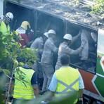 """Auto-ajuda - """"Acidente com ônibus deixa mortos e feridos na BR-101, na Serra, ES"""""""