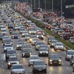 Utilidade Pública - Custo de táxi para ir ao trabalho pode compensar o do carro próprio em SP Consultores ouvidos pelo ...