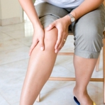 Dores nas pernas: possíveis motivos
