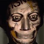 A maquiagem digital cria o rosto do futuro