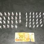 Blogueiro Repórter - Militares do 22º BPM apreendem 70 pinos de cocaína no Taquaril - BH.