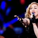 Madonna acusada de usar o massacre Charlie Hebdo para promover seu álbum