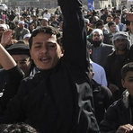 """Manifestação no Afeganistão chama de """"heróis"""" responsáveis por Charlie Hebdo"""
