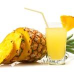 Suco de abacaxi com chá verde para emagrecer e combater o colesterol