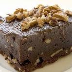 Brownie é um bolo  típico da culinária dos Estados Unidos da América.