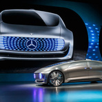 Carro de luxo da mercedes-benz é o futuro da auto-condução