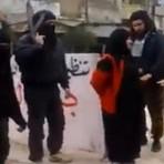 IMAGENS FORTES: Frente Al Nusra executado publicamente uma mulher por adultério