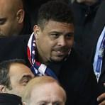 Futebol - Brasileiro Ronaldo admite voltar a jogar