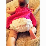 Christina Aguilera compartilha primeira foto da filha Summer Rain