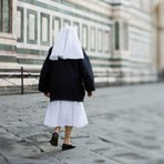 Religiosas do Fim dos Tempos: Freira que não sabia de gravidez dá à luz um bebê na Itália