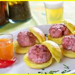 Mini Hambúrguer de calabresa grelhado com geléia de tequila