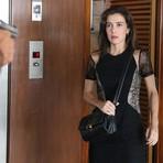 Celebridades - Quinta-Feira em Império: Cora fica na mira de revólver!