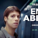 Entre Abelhas, 2015. Trailer. Comédia e drama com Fábio Porchat. Ficha Técnica.