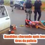 Bandidos choram após levarem um monte de tiro da policia
