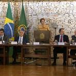 Dilma Rousseff diz que o governo não vai mexer em direitos trabalhistas