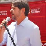 A empresa do ministro Cid Gomes recebeu tratamento privilegiado do Banco do Nordeste