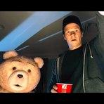 Ted 2, 2015 . Spot legendado (Super Bowl). Animação, fantasia e comédia. Cartaz. Ficha técnica.