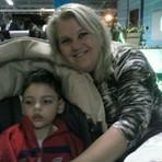 Mesmo com ordem judicial, garoto espera há 2 meses por canabidiol