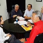 """Jorge e Queiroz recebem, juntos, Nyadja Menezes. Pondo fim as especulações de """"apartheid"""" entre eles."""