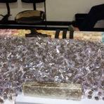 ROTAM apreende mais de 3000 buchas de maconha, arma e dinheiro no Santa Efigênia em BH