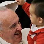 """Papa Francisco diz que não vê problemas em bater nos filhos desde que mantenha a """"dignidade"""" deles"""