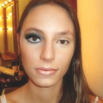 Aumentando os olhos e dando mais destaque com maquiagem