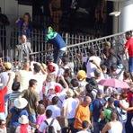 Video - professores em greve invadem a assembléia de Curitiba Pr