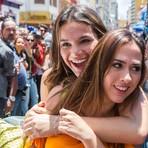 I Love Paraisópolis: Bruna Marquezine e Tatá Werneck gravam nova novela na 25 de Março