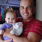 Policial Militar atira acidentalmente e mata filha de 11 meses ao limpar a arma