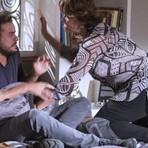 Em 'Império', Beatriz dá surra em Enrico por sugestão de Suzy Rêgo