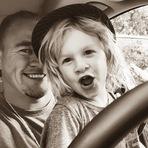 Souleye e Ever em um passeio de carro