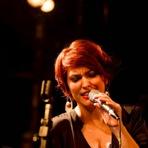 Cris d'Avila, faz show intimista no Retrô Jazz nesta sexta.