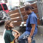 ACORDA CIDADE > Morador de rua precisa de cirurgia e freira tenta internamento em hospital de Feira de Santana