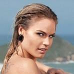 Vídeo de Nathália Ex-BBB beijando mulher no Carnaval é divulgado; assista!