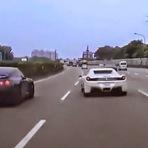 Ferrari e GT-R provocam acidente em Taiwan (com vídeo)