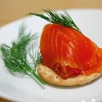 Gravad lax ou gravlax é uma especialidade culinária escandinava