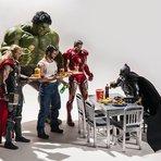 Fotógrafo cria sessão superengraçada com super-heróis