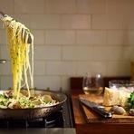 Estilo de Vida - 8 motivos para você cozinhar em casa