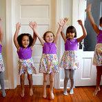 Mães criam linha de roupas para garotas e quebram estereótipos