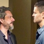 Em 'Império', José Alfredo expulsa Maurílio da Império: 'Vou te quebrar a cara se não sumir da minha frente'
