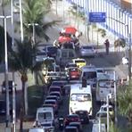 Acidente com dois carros deixa um ferido na Estrada do Galeão