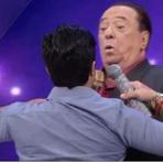 Raul Gil se espanta com novo peitoral de Thammy