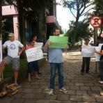 """Ato contra Dilma em Caxias do Sul reúne """"multidão"""" de  10 pessoas"""