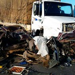 Acidente frontal na Br116 entre carro e caminhão matou uma pessoa na manhã deste sábado
