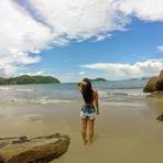 Praia da Almada em Ubatuba - Águas Calmas e Prática de Esportes