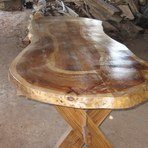 Mesa de madeira rústica