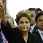 Em viagem a SP, Dilma é vaiada ao visitar estandes de feira