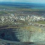 Conheça o buraco mais profundo do mundo
